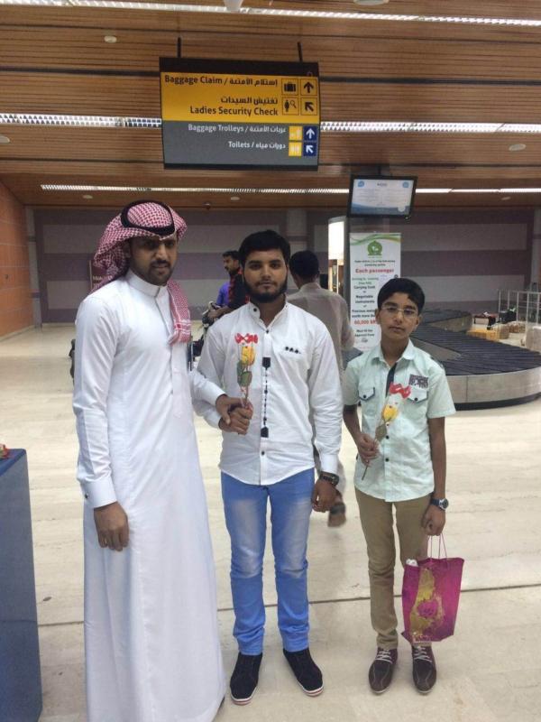 جوازات مطار أبها الإقليمي تُعايد المسافرين (360550882) 