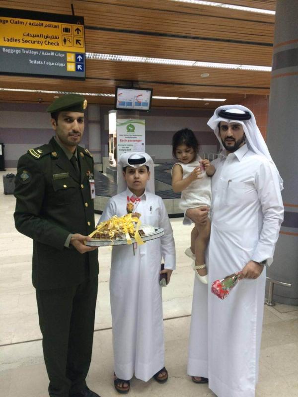 جوازات مطار أبها الإقليمي تُعايد المسافرين (360550886) 