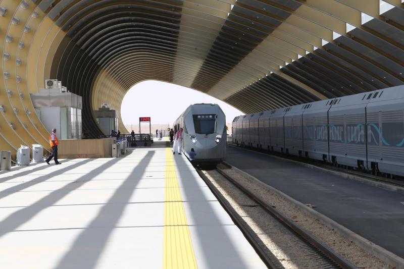 جولة امير الرياض قطار سار