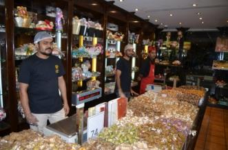 """بالصور.. """"المواطن"""" في جولة بأسواق الحلويات والتمور في جدة قبل العيد - المواطن"""