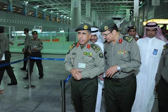 جولة مدير عام الجوازات التفقدية لصالات العمرة بمطار الملك عبدالعزيز (1)