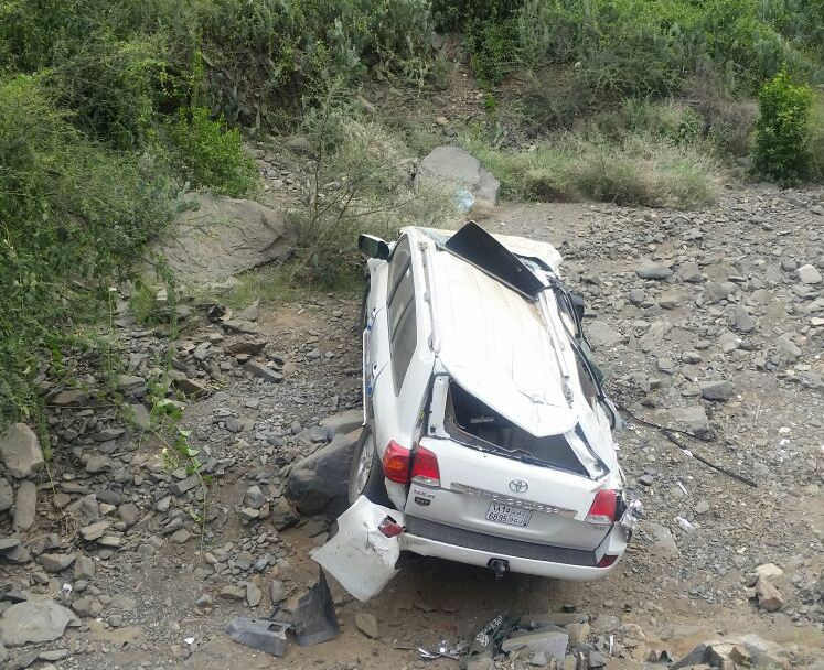 حادث انقلاب سيارة بجازان (2)