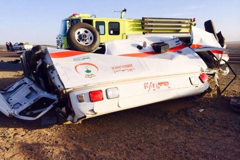 حادث انقلاب قائد سيارة اسعاف بالمدينة المنورة