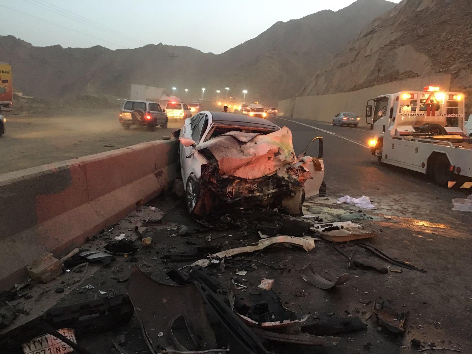 حادث بطريق ابها الدرب (2)