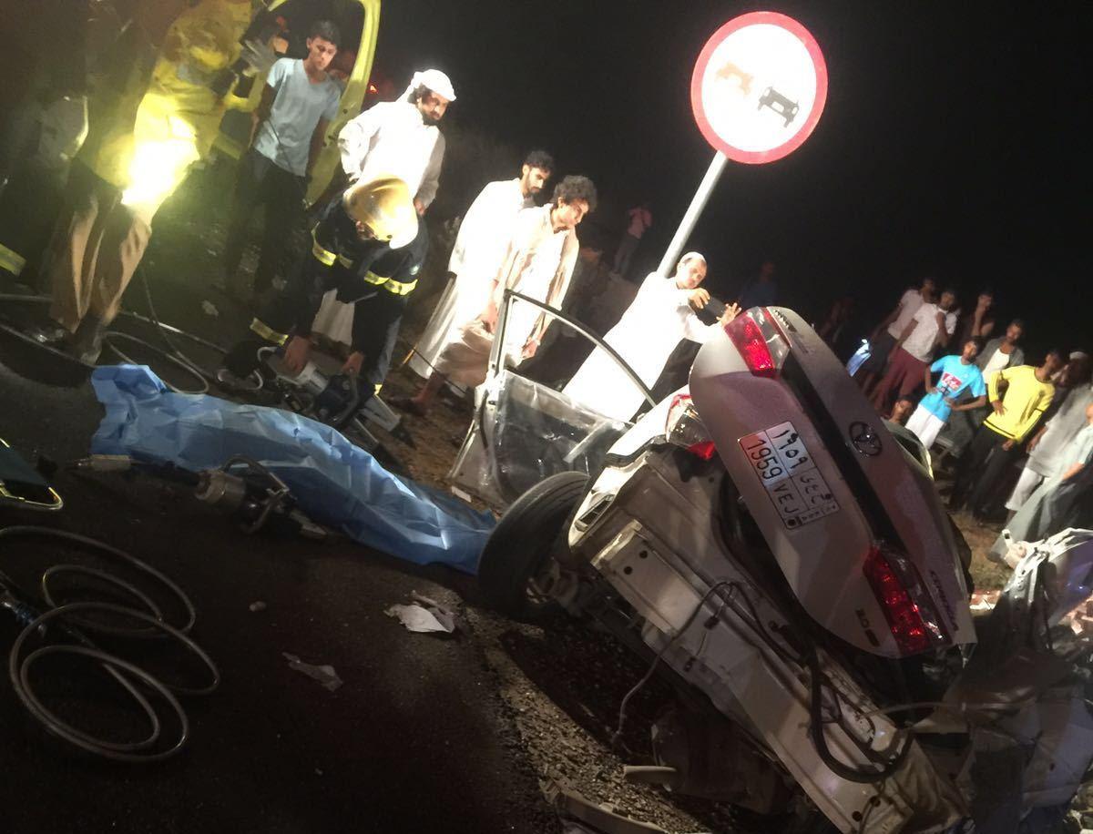 حادث تصادم بعارضة جازان (3)