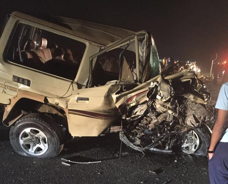 حادث تصادم بعارضة جازان (4)
