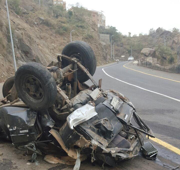 حادث سقوط مركبة بفيفا (7)