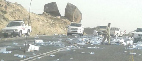 حادث شاحنة لنقل المياه المعلبة