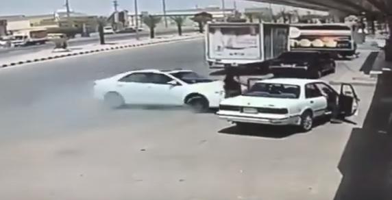 حادث صباح اليوم مقابل أسواق الدهمشي