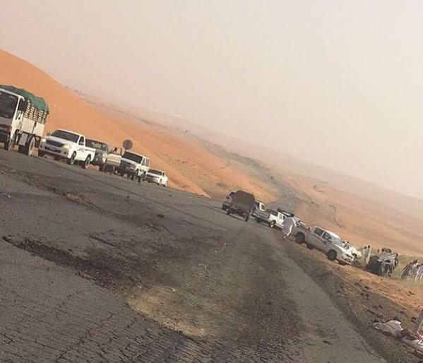 حادث على طريق الرياض  بيشة نتيجة تصادم بين سيارتين