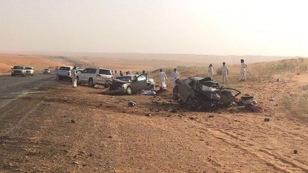 حادث على طريق الرياض  بيشة نتيجة تصادم بين سيارتين1