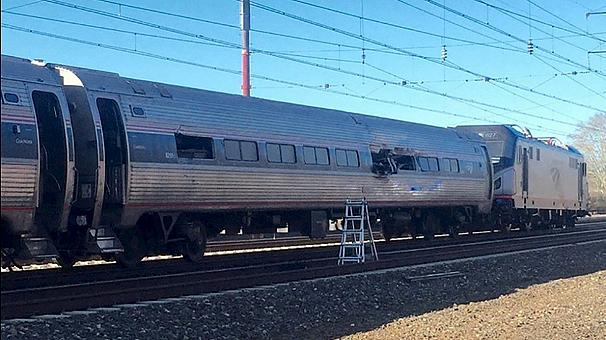 حادث قطار بمدينة في فيلادلفيا