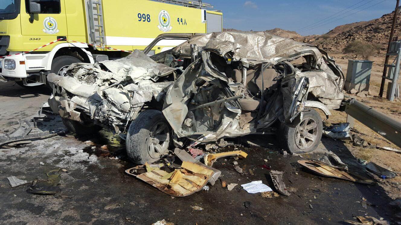 حادث مروري بسراة عبيدة (4)