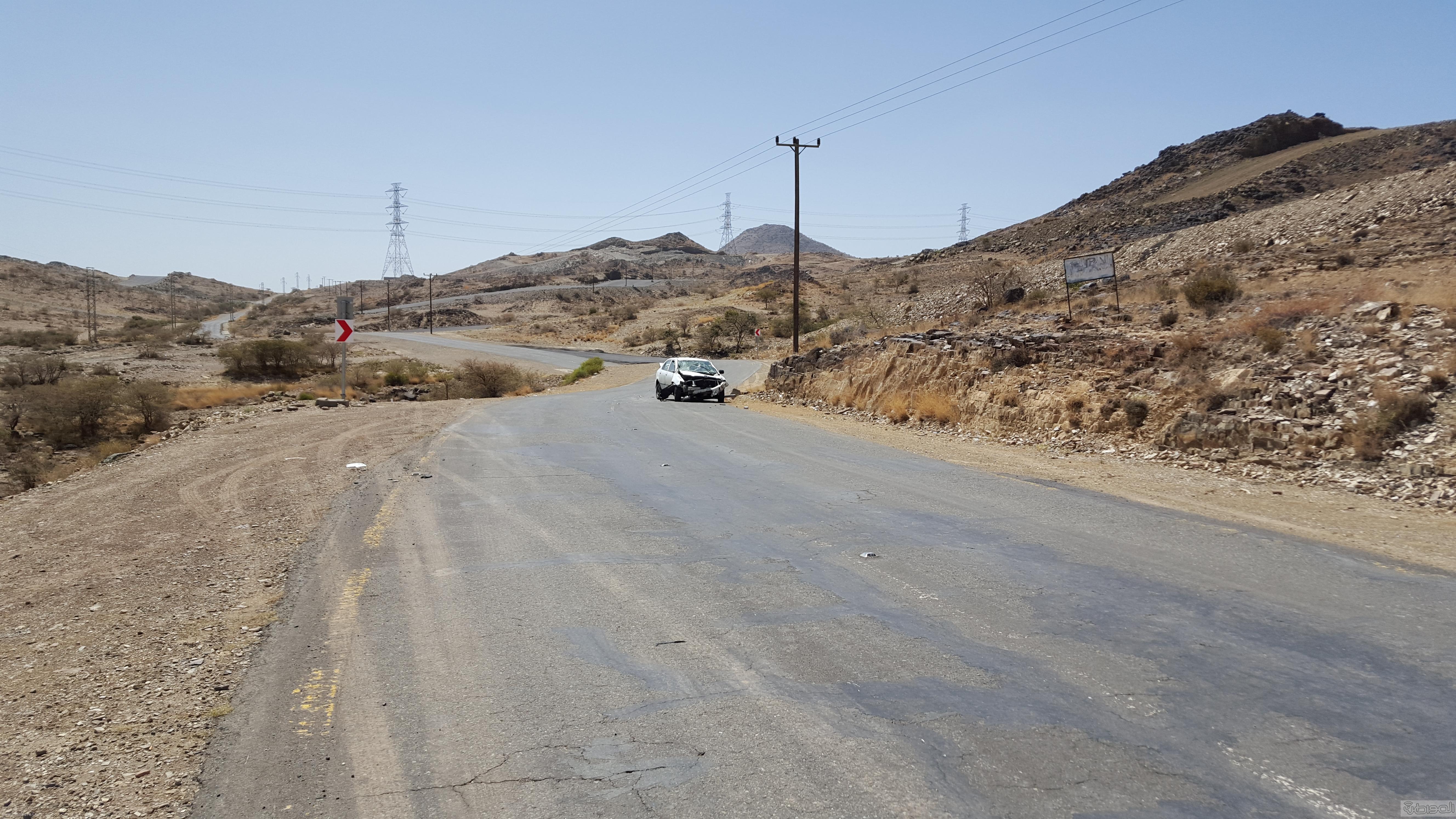 حادث مروري  بطريق ال يوسف ذم سنون بمدينة ابها  (3)