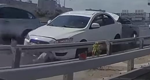 حادث مروع شاب تعطلت سيارته