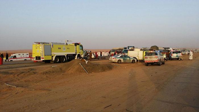 حادث مروع يتسبب بحالات وفاة وعدة إصابات بـ #بريدة (4)