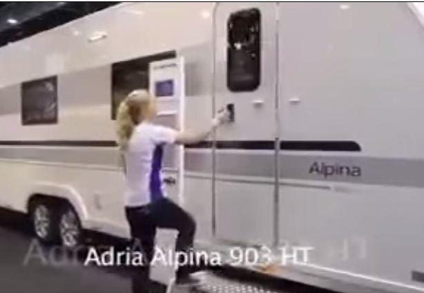 بالفيديو: حافلة تتحول إلى منزل فخم - المواطن