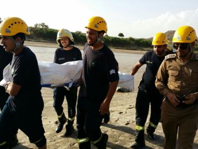 حالتا وفاة وإنقاذ 14 آخرين وقطع الطرق.. حصيلة سيول #جازان في ساعات (31195652) 