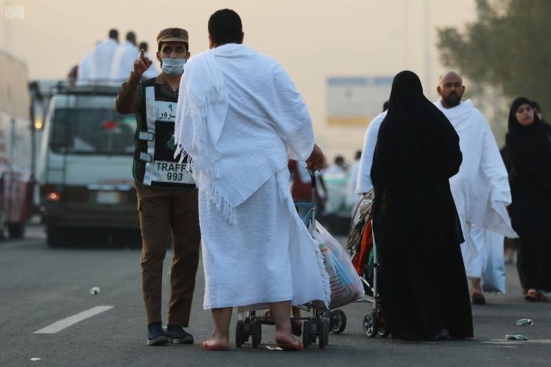 حجاج بيت الله في صعيد عرفات (11)