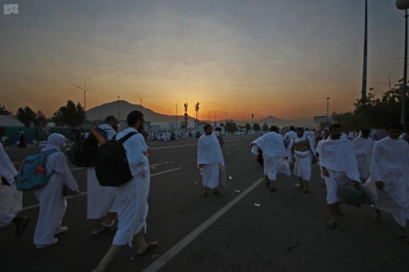 حجاج بيت الله في صعيد عرفات (14)