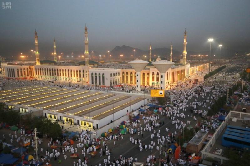 حجاج بيت الله في صعيد عرفات (4)