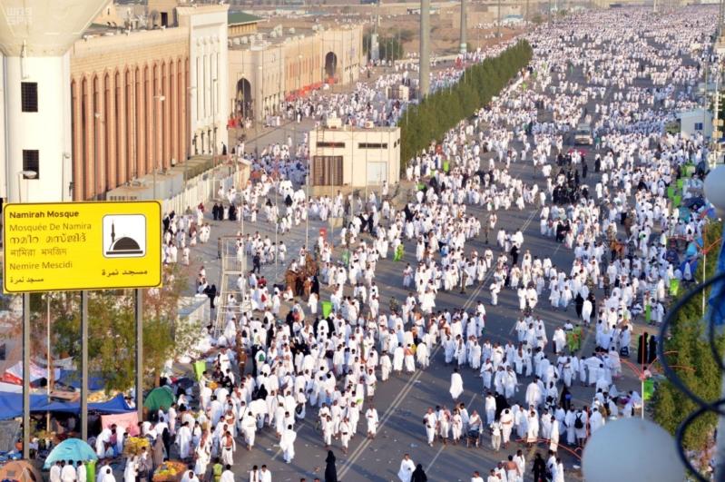 حجاج بيت الله في صعيد عرفات (7)