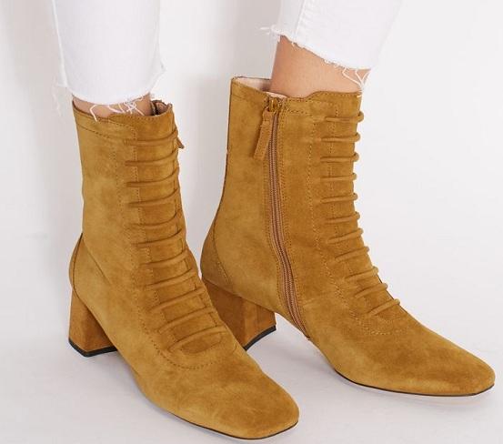 حذاء بوت مانجو