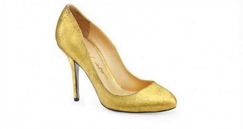 حذاء-من-ذهب-620x330
