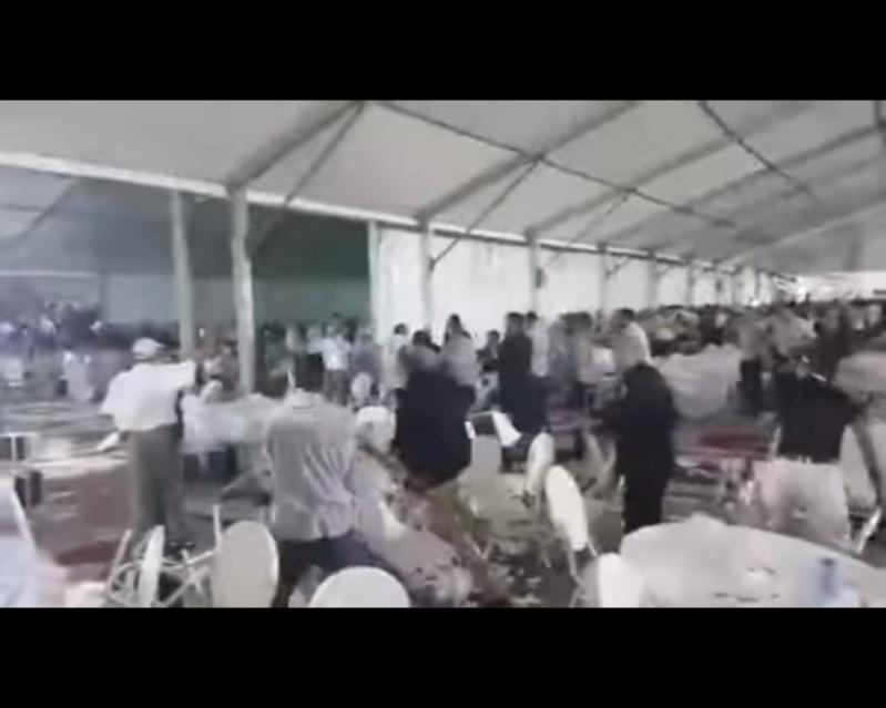 شاهد.. حرب صحون وكراسي بين أعضاء حزب الاستقلال المغربي