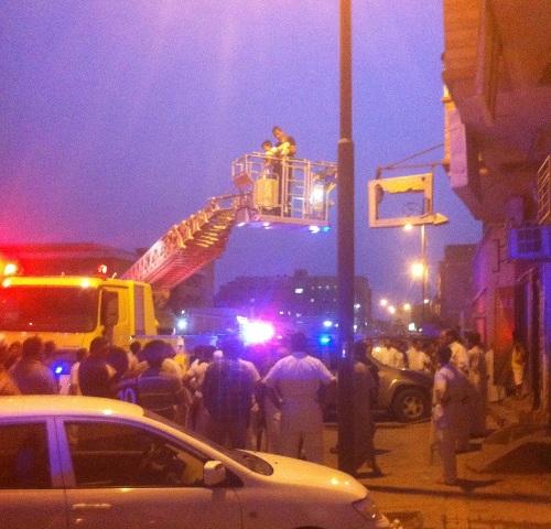 """""""مدني الأحساء"""" يُنقذ عائلة من تسعة أشخاص من حريق شقتهم - المواطن"""
