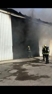 حريق بـ7 مستودعات (126333902) 