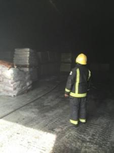 حريق بـ7 مستودعات (126333908) 