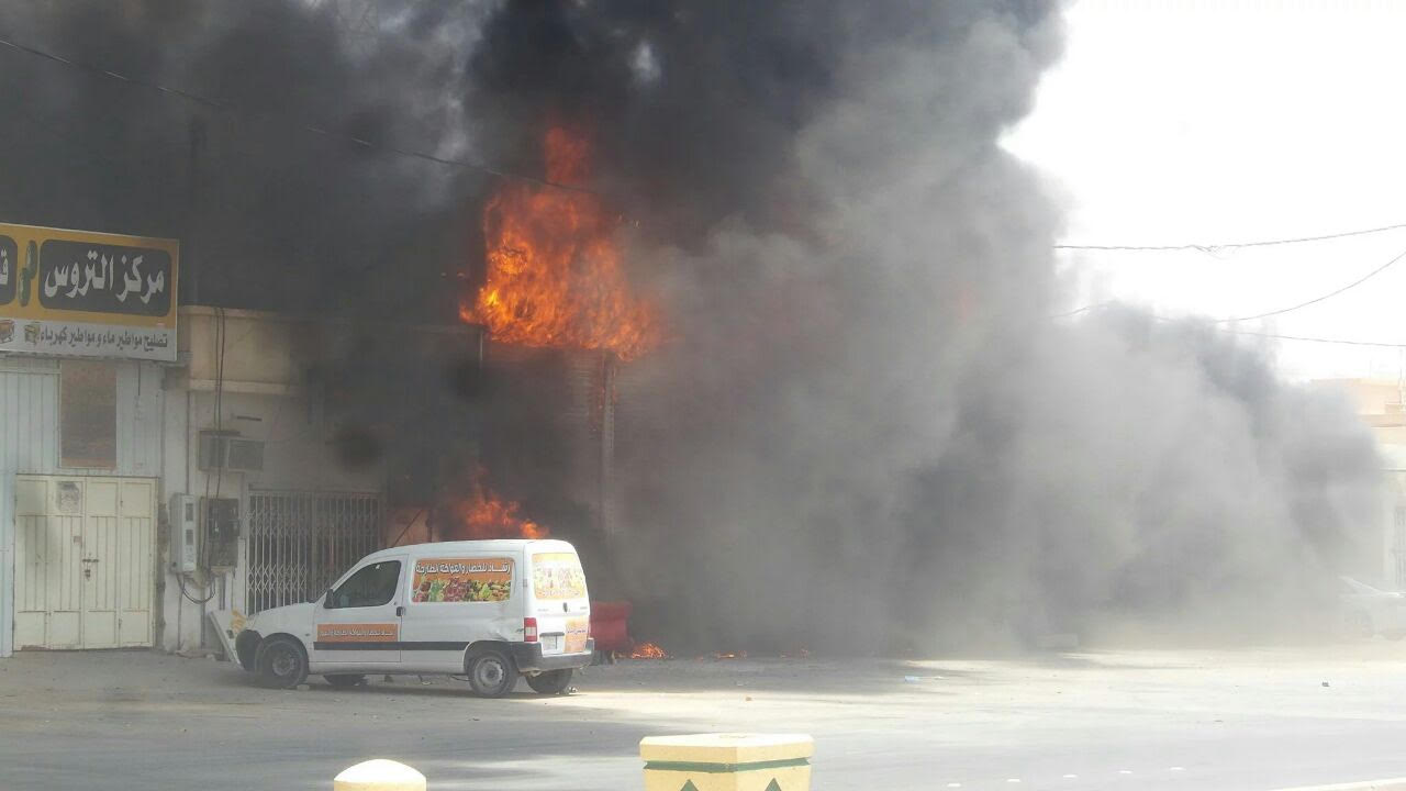 حريق بمحل بنشر برماح كاد أن يسبب كارثة (4)