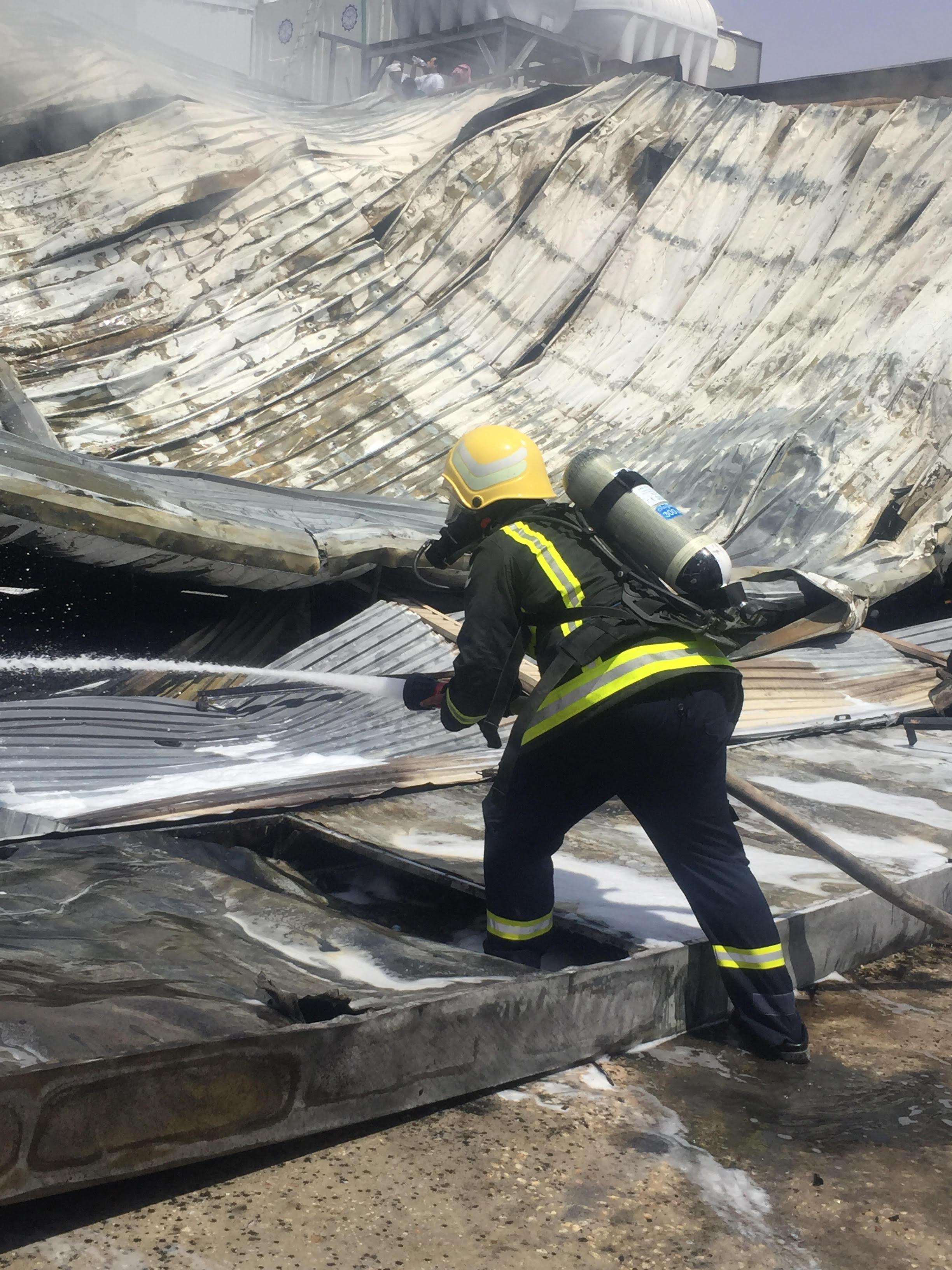 حريق بمحل بنشر برماح كاد أن يسبب كارثة (5)
