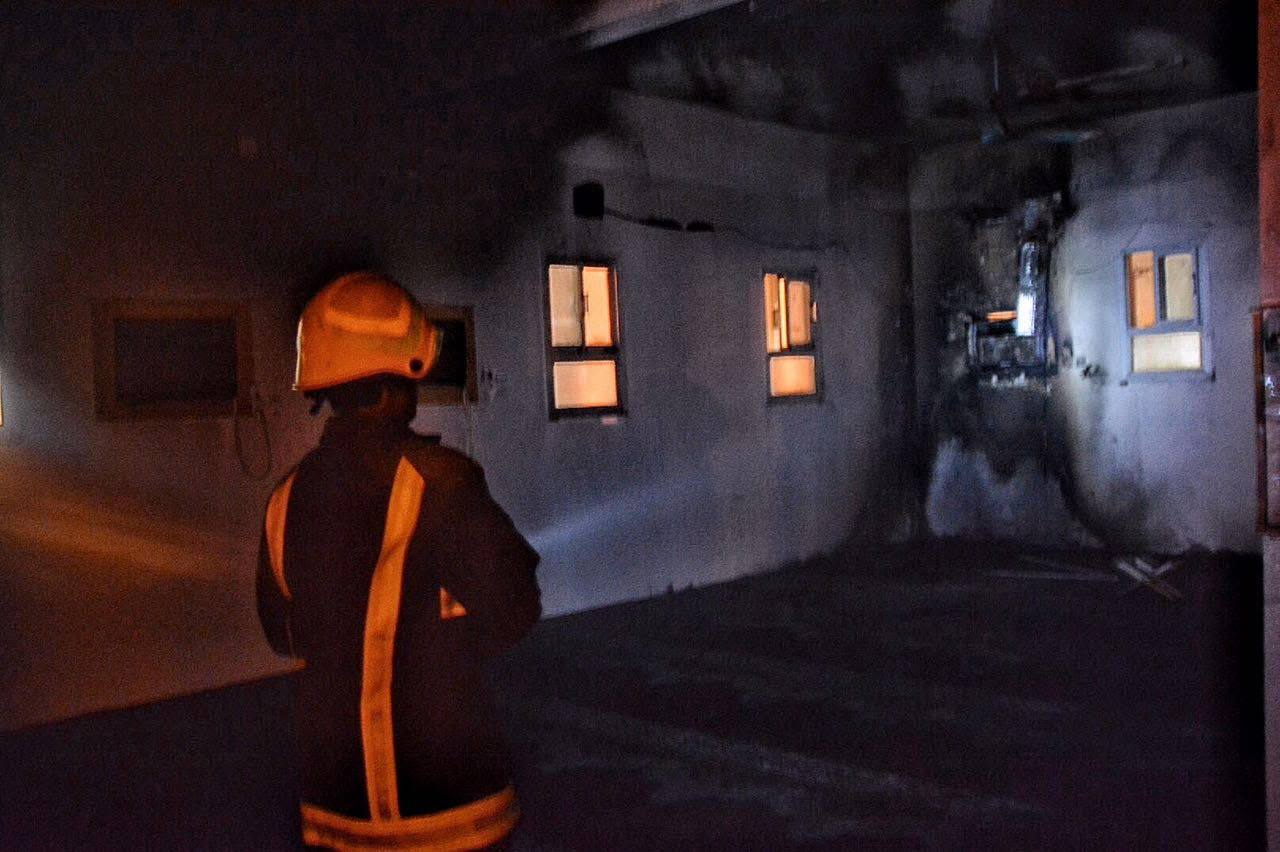 حريق بمسجد بسمراء حائل بسبب التكييف (1)