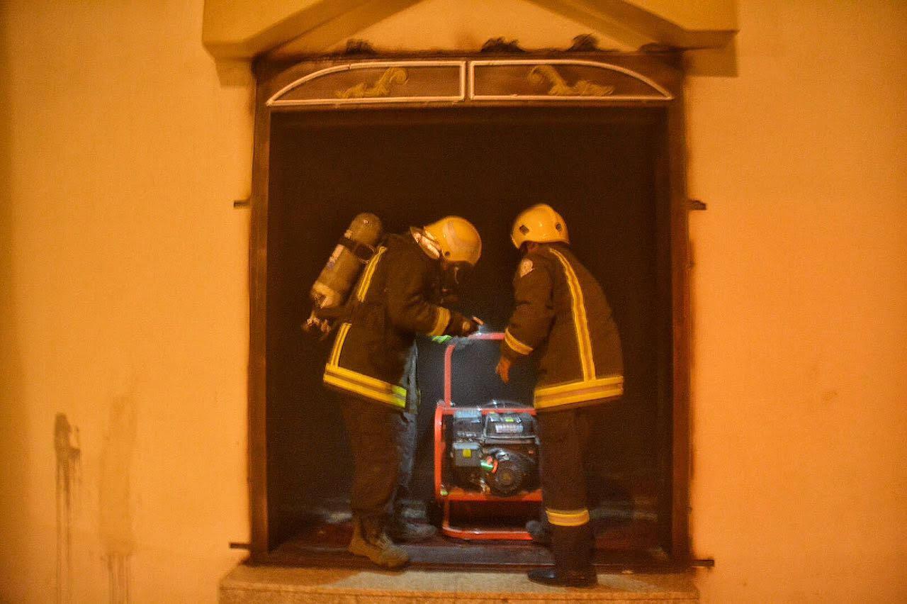 حريق بمسجد بسمراء حائل بسبب التكييف (5)