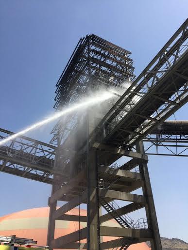 حريق بمصنع إسمنت مخواة1