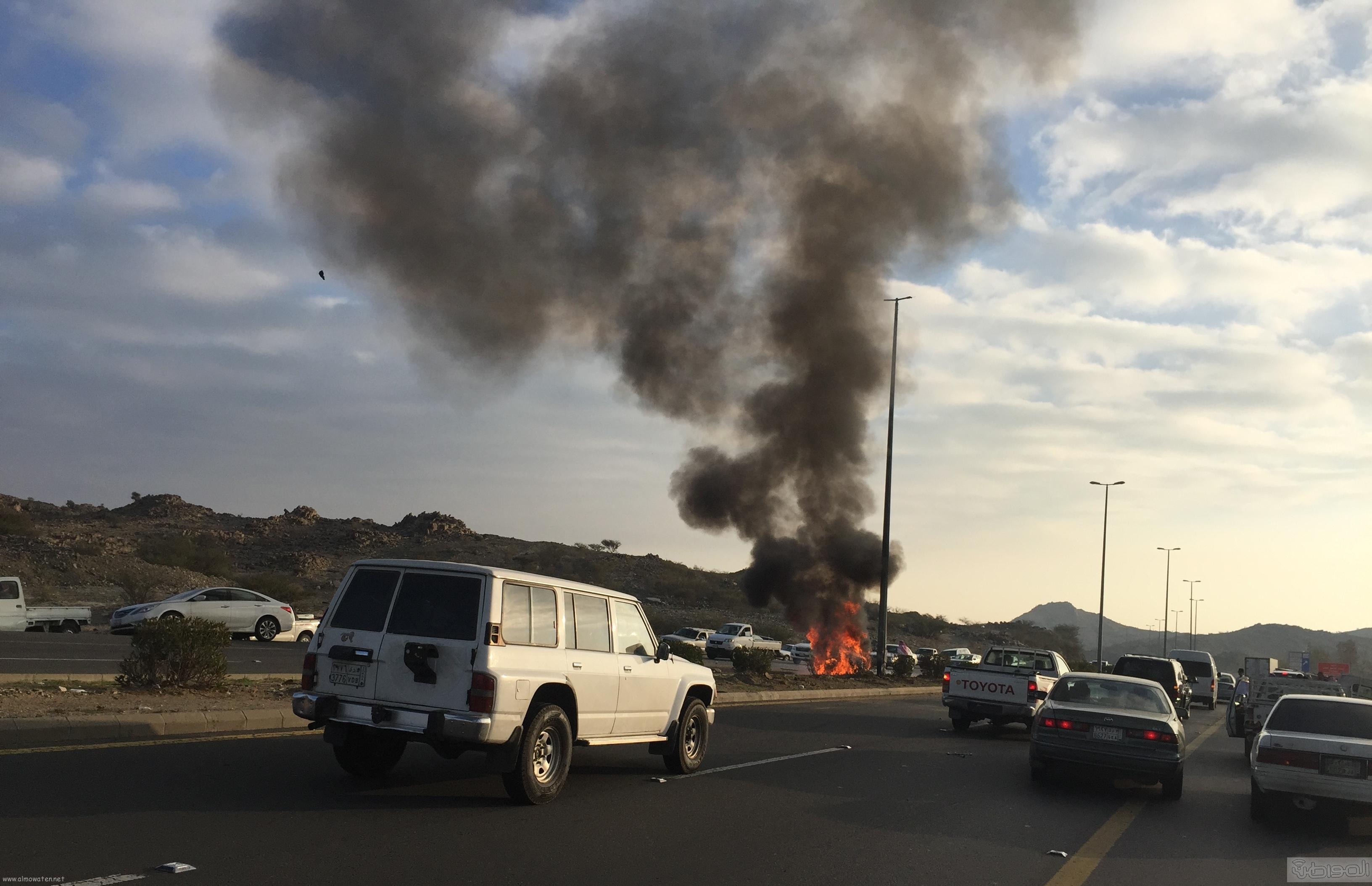 حريق-سيارة-مواطن-بالطائف (1)