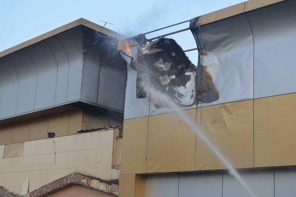 حريق صالة كبار الشخصيات بقصر الافراح بالمدينة (4)