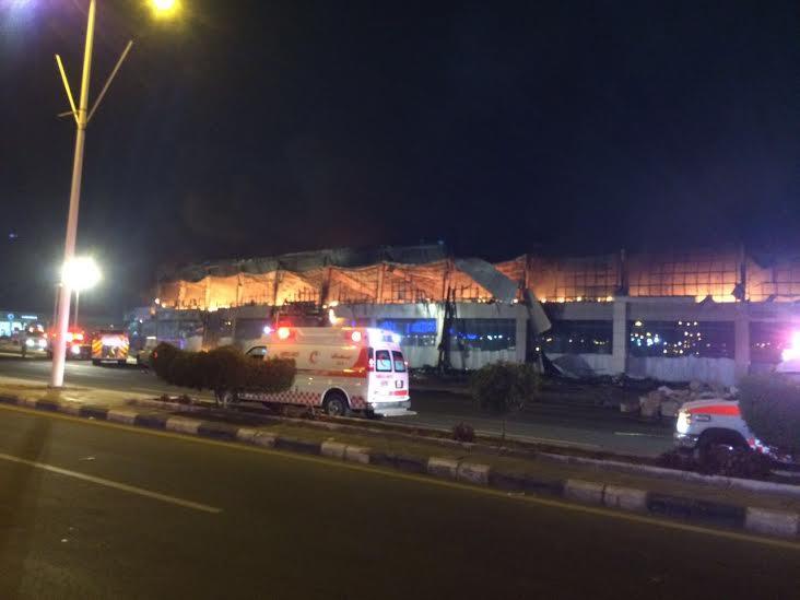 حريق ضخم بجمع تجاري قبيل افتتاحه بجازان1