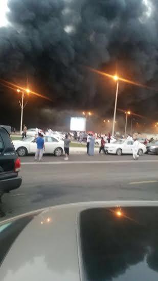 حريق ضخم بجمع تجاري قبيل افتتاحه بجازان2