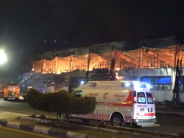 حريق ضخم بجمع تجاري قبيل افتتاحه بجازان4