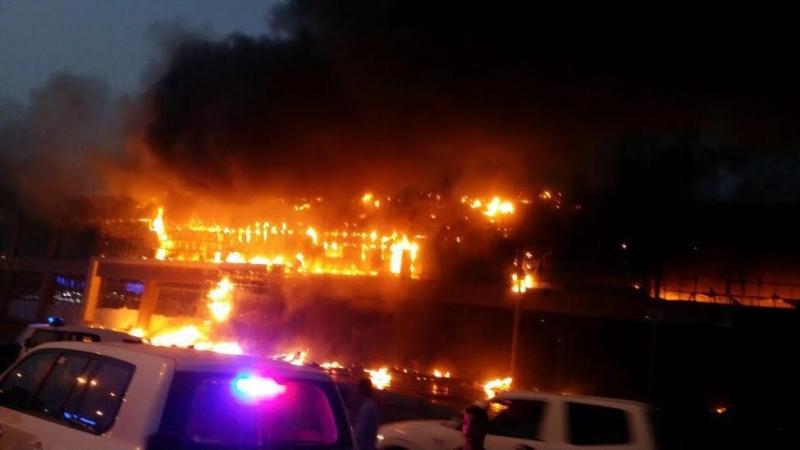 حريق ضخم بجمع تجاري قبيل افتتاحه بجازان6