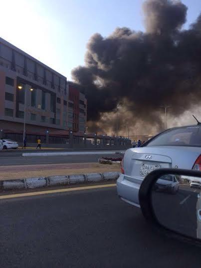 . حريق ضخم بمجمع تجاري بجازان