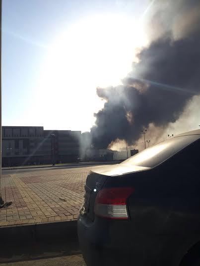. حريق ضخم بمجمع تجاري بجازان1