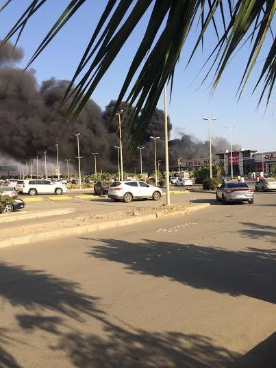 . حريق ضخم بمجمع تجاري بجازان12