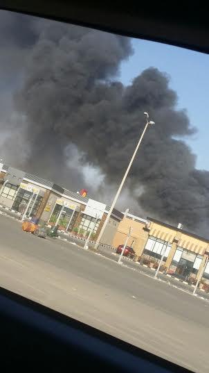 . حريق ضخم بمجمع تجاري بجازان4