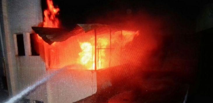 حريق عمارة جدة (1)