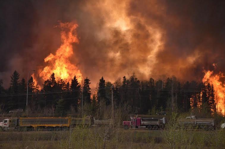 حريق في كندا 1