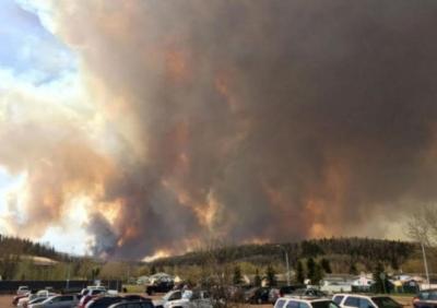 حريق في كندا